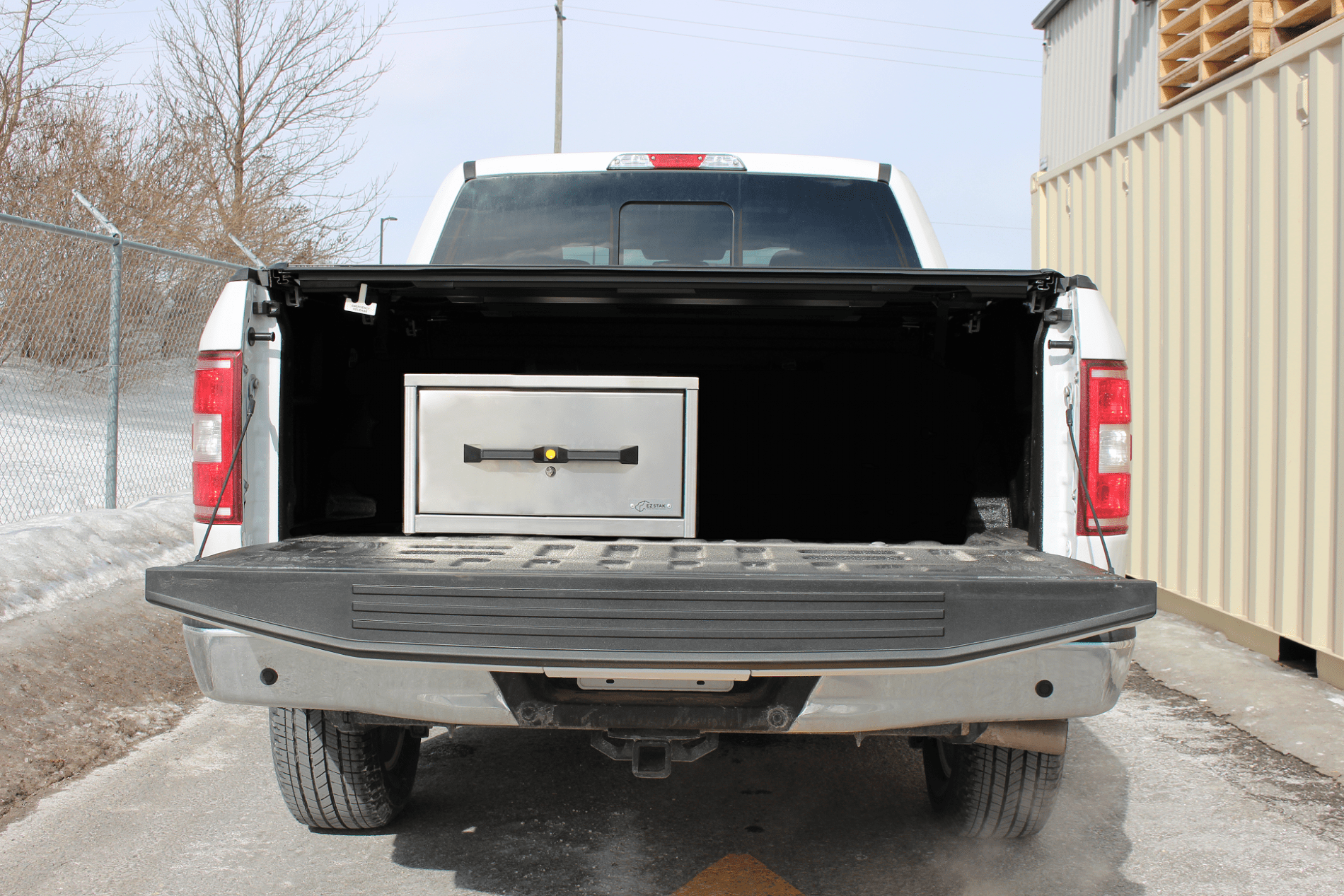 Pickup truck box unit